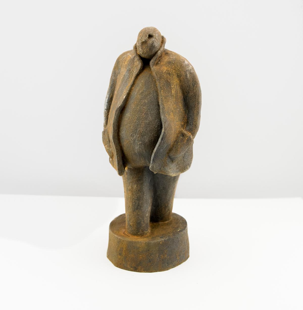 Lars-Lennart Stenberg Skulptur   Patinerat stengods  H30 x B15 x D13 cm 4 000 kr